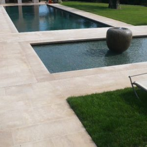 Terrace, pool beach and natural stone plank in beige Cèdre Honey - Aged finish