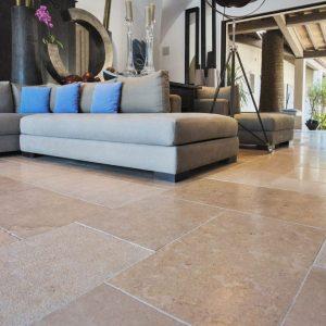 Natural stone pool layout Cèdre Gray - Brushed sandblasted finish, custom size