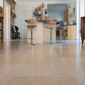 Natural beige stone slabs in Cèdre Gray
