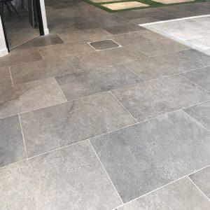 Natural tiles floor Cèdre Cendré - honed finished