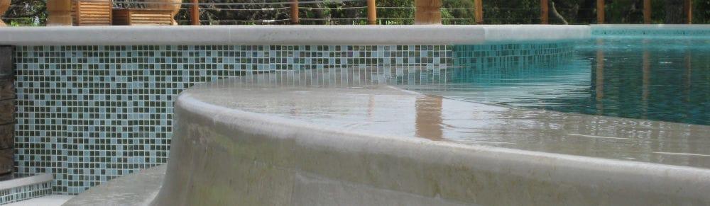 Margelles de piscines en pierre naturelle