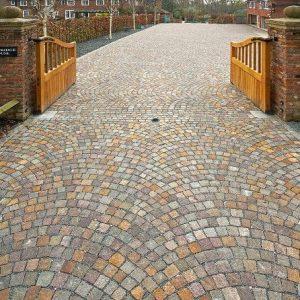 Mix of natural cobblestone