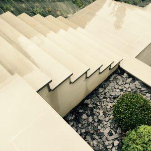 Quartz stair steps