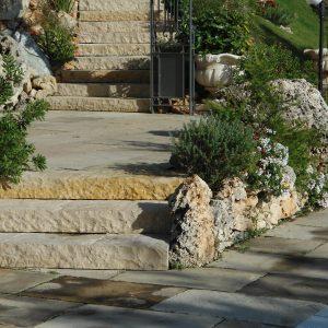Saint-Laurent stone massive steps