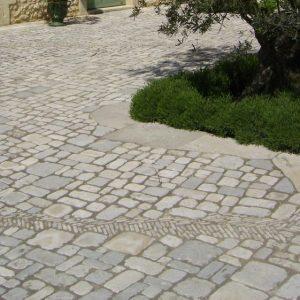 Natural cobblestone - Gavroche and opus incertum in 2 cm thick