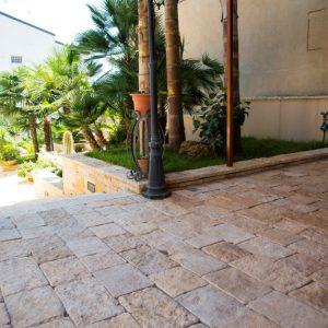 Saint Laurent cobblestone