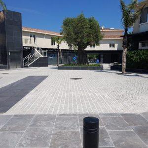 Natural stone square - cobblestone and slabs