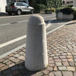 Highways – Conical bollard and natural cobblestone