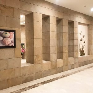 Wall covering in natural stone beige Cedar Bronze - Honed finish - Free strips 40 cm - Bright wall edge