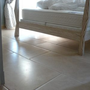 Natural stone room floor Cèdre Honey - Honed finish